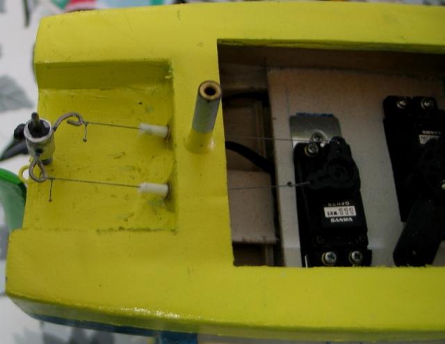 ModelismoRC_20130723_Construccion velero Clase Footy 78