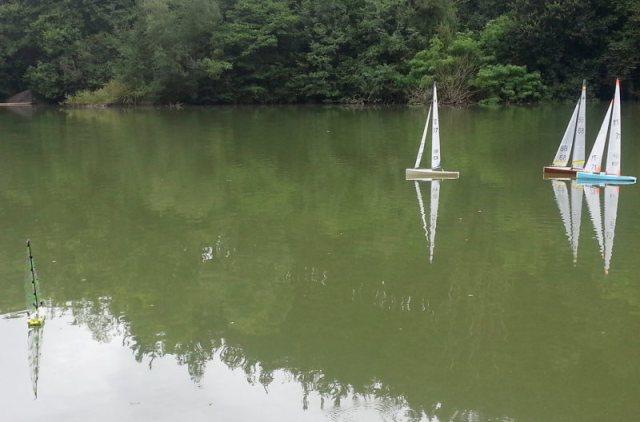 ModelismoRC_20130725_Construccion velero Clase Footy 91 pruebas navegacion