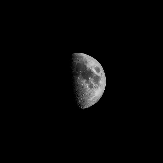 Astronomia_20131210_Luna con Sigma70-300_02